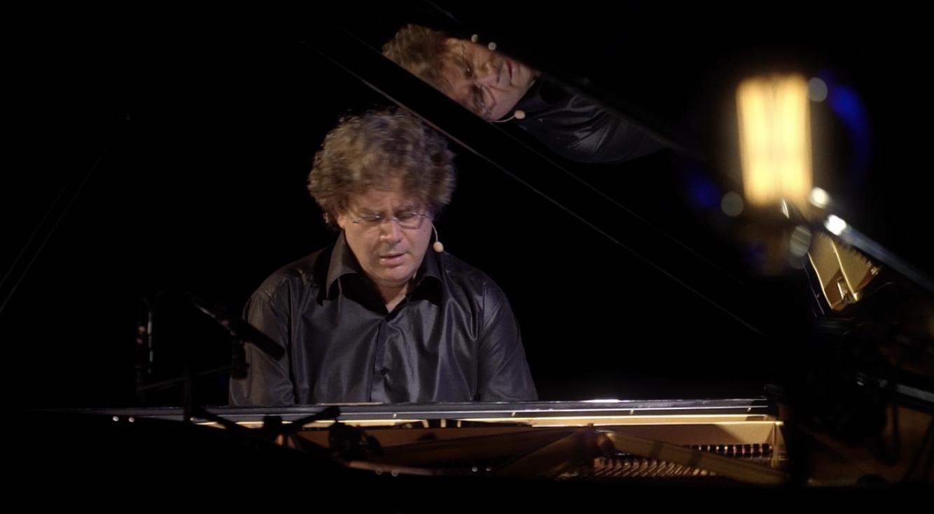 Le pianiste aux 50 doigts